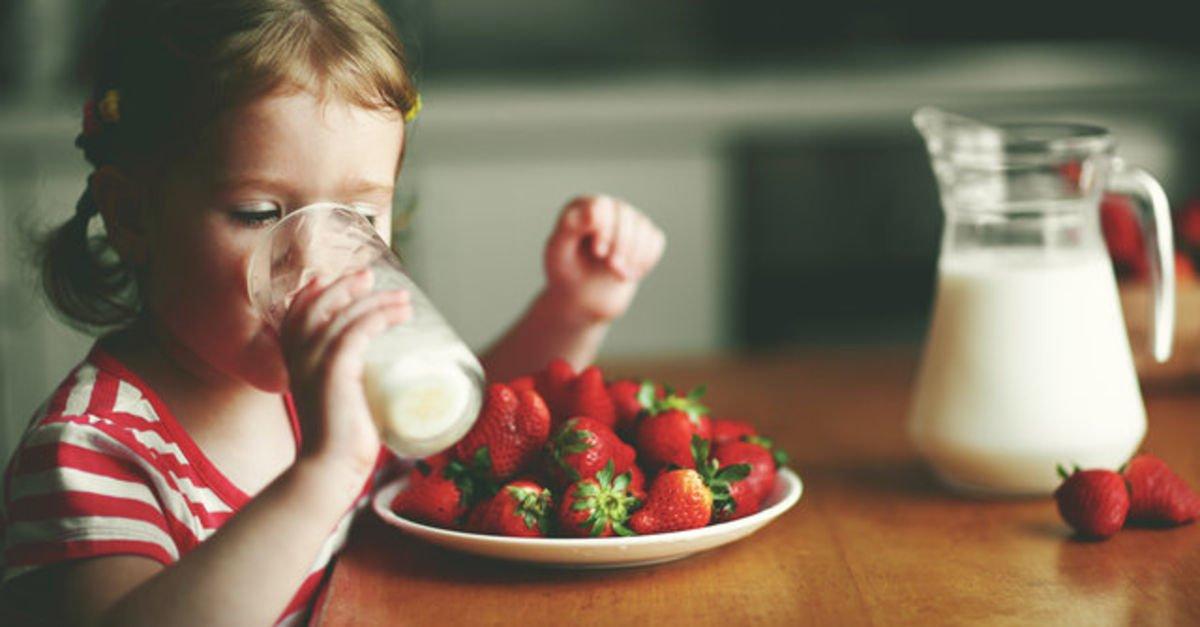 Çocuklara sütü sevdirmenin 9 yolu!