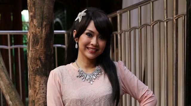 Kena Tipu Biro Perjalanan Umrah, Bintang Sinetron Ratna Listy Ancam Polisikan GAM