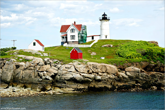 Nubble Lighthouse en Cabo Neddick, Maine