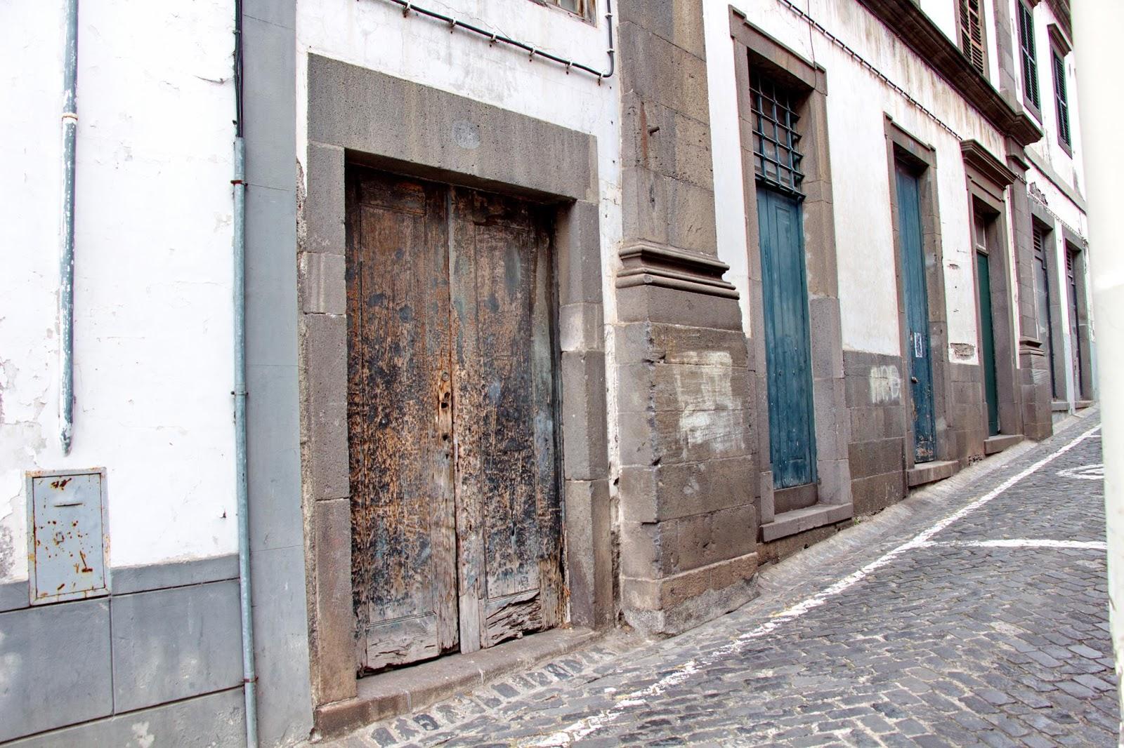 edifícios antigos na Rua do Castanheiro