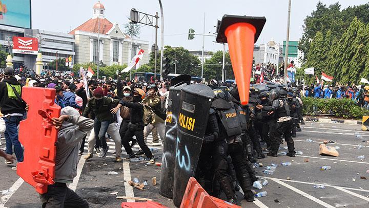 Polisi Akan Buktikan Demo Tolak UU Cipta Kerja Ditunggangi