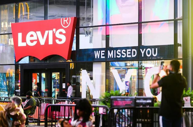 Levi's cuts 700 jobs due to falling sales