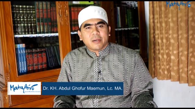 """Gus Ghofur Maimoen : Jihad itu bukan """"Berani Mati"""", tapi """"Berani Hidup""""!!!"""