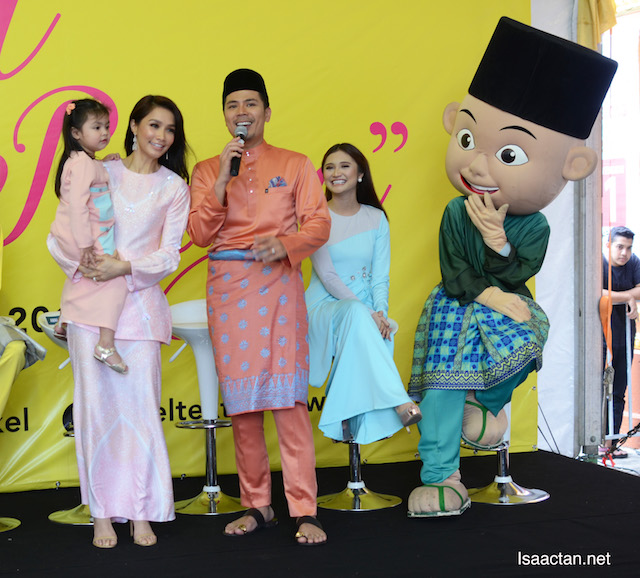 Scha Alyahya and Ayda Jebat