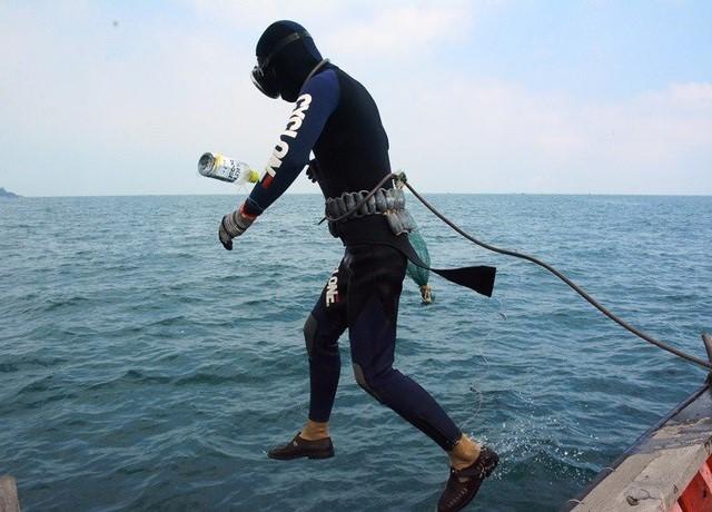 Nghề lặn biển luôn tiềm ẩn nhiều hiểm nguy