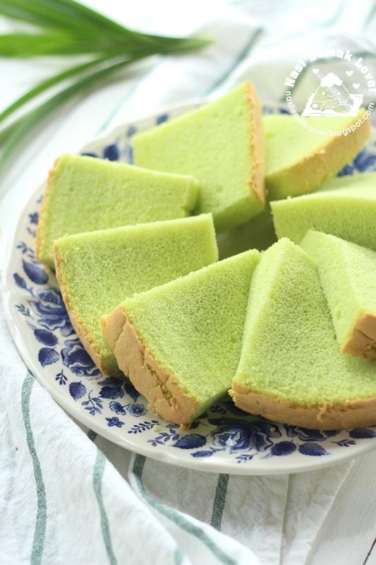 pandan coconut ogura chiffon cake 班兰椰奶相思戚风蛋糕