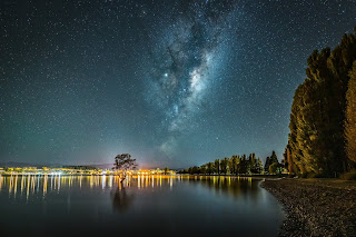 Milky Way, astrophotography, Lake Wanaka, The Wanaka Tree, Laurie Winter