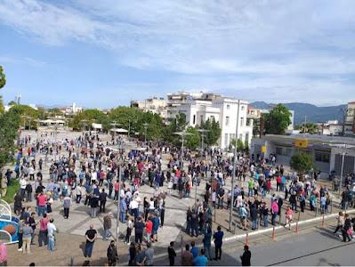 Ειρηνική  διαμαρτυρία στην κεντρική πλατεία της Μεσσήνης κατά παραβατικών συμπεριφορών