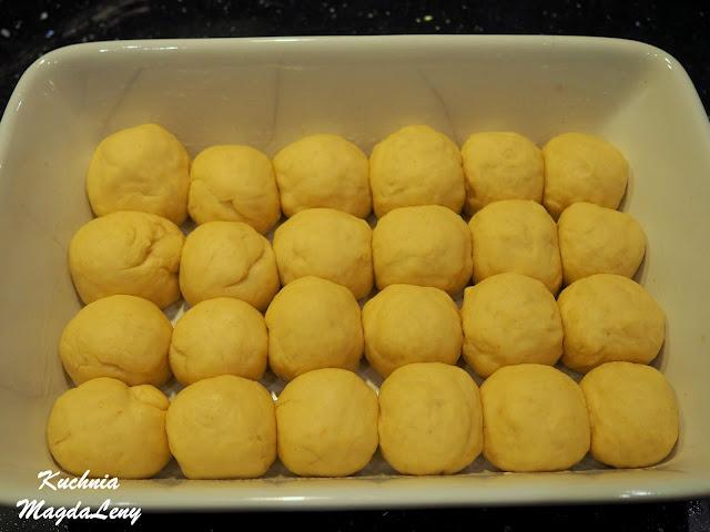 Chlebek bąbelkowy drożdżowy