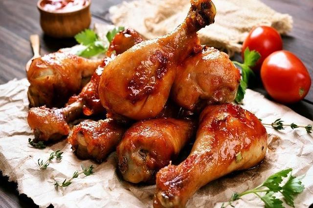Jangan Lagi Makan Ayam Ketika Sahur! 5 Makanan Ini Ternyata Bisa Membuatmu Dehidrasi Saat Puasa