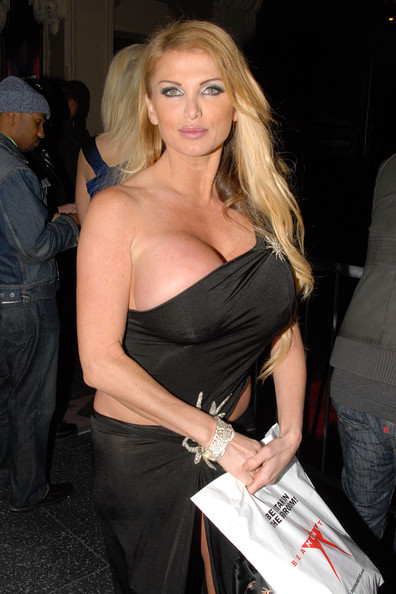 A Look At Gorgeous Milf Adult Star Taylor Wane