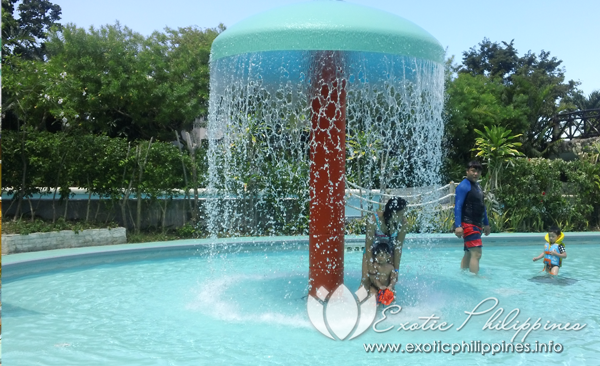 Jpark Island Resort and Waterpark toddlers pool