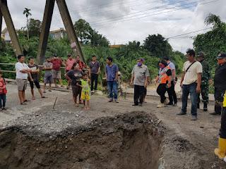 Bupati Ashari Tambunan Instruksikan Jembatan di Desa Durin Jangak Secepatnya Diperbaiki