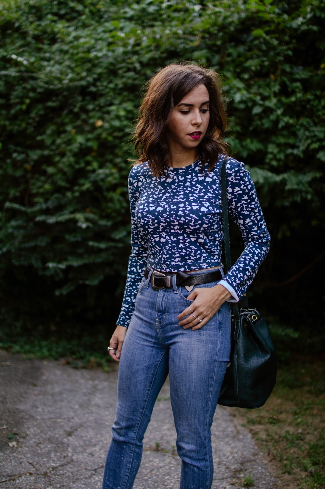 long-sleeve-crop-top-high-waist-current-elliott-ootd-casual-style-