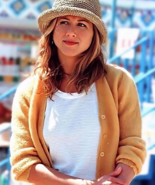 Hollywood Actress Jennifer Aniston Photos