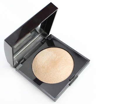 Laura Mercier Matte Radiance Baked Powder in Highlight 01 review swatch swatches highlighter