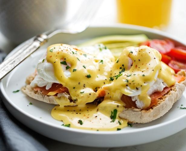Blender Hollandaise Sauce Eggs Benedict