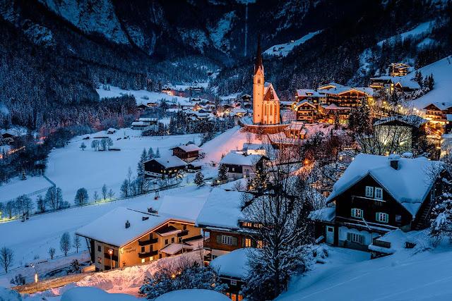 heiligenblut y la iglesia de san vicente cubiertos de nieve