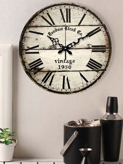 Top 9 Cool And antique Wall Clocks from collection of Myntra