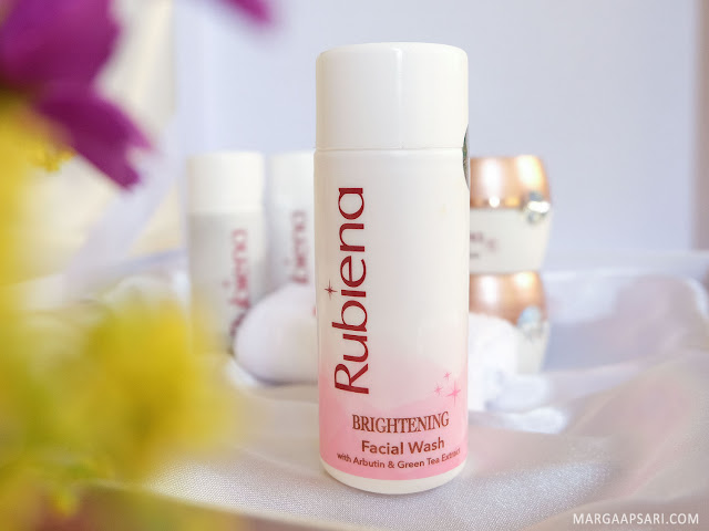 RUBIENA Brightening Facial Wash