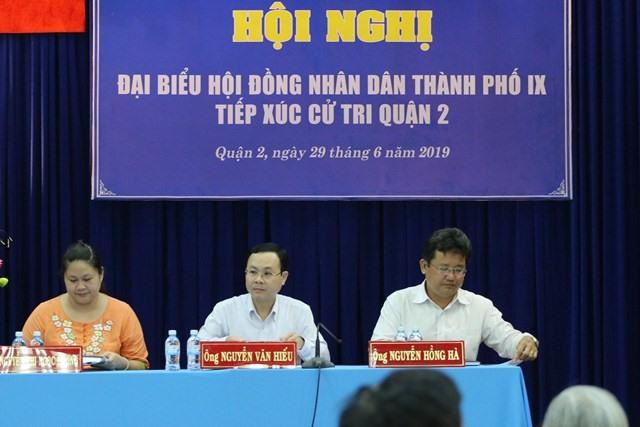 Tổ đại biểu HĐND TP.HCM tiếp xúc cử tri tại quận 2