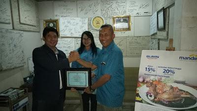 Direktur Kebijakan Bakamla RI Bagikan Dua Reward di Bali