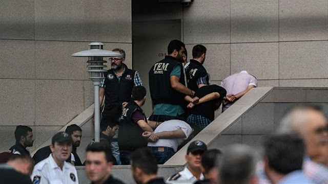 Prominent Turkish novelist  and Nobel laureate, Orhan Pamuk  criticise post-coup Turkey sliding into terror regime