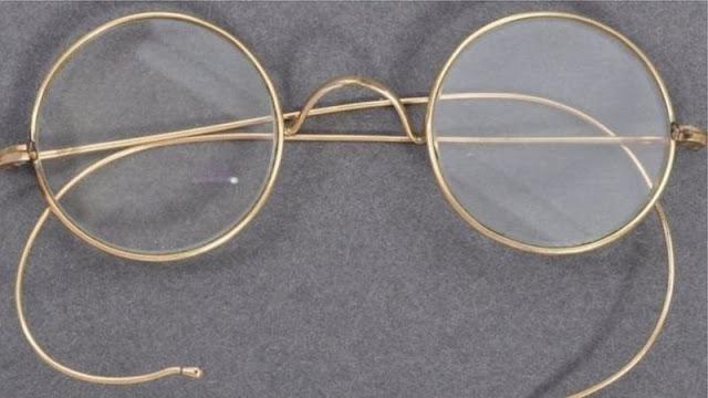 Mahatam Ghandi Ki Ainak | Auction in 260K Pound