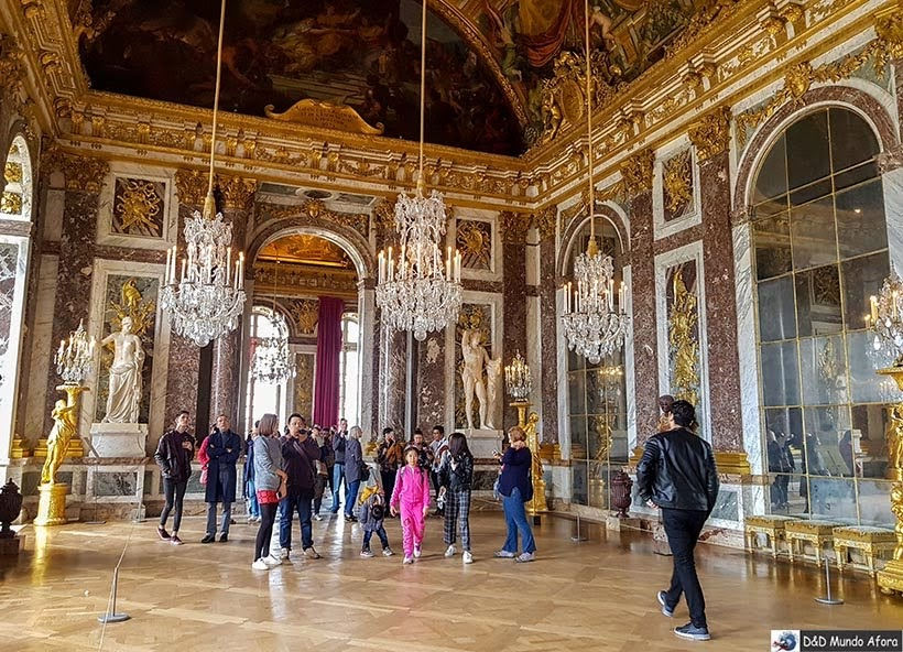 Salão dos Espelhos no Palácio de Versalhes