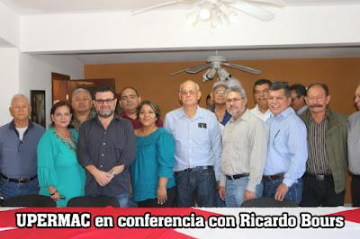 Ricardo Bours Castelo, con periodistas del Mayo