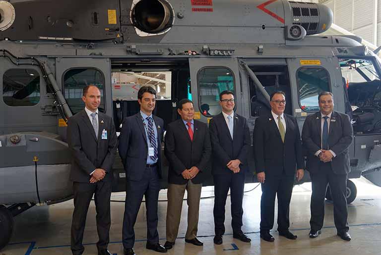 Vice-Presidente da República Hamilton Mourão visita a Helibras | É MAIS QUE VOAR