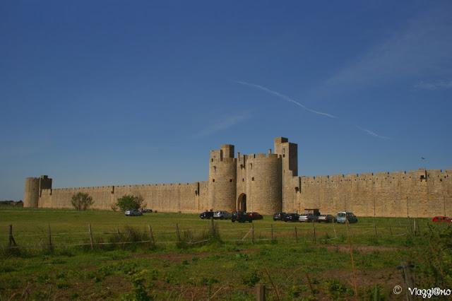 La cinta muraria della cittadella fortificata di Aigues Mortes
