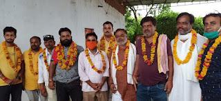 आरक्षण के विरोध में सवर्ण समाज की बैठक किया समिति का गठन आगामी चुनावों के बहिष्कार का लिया  निर्णय