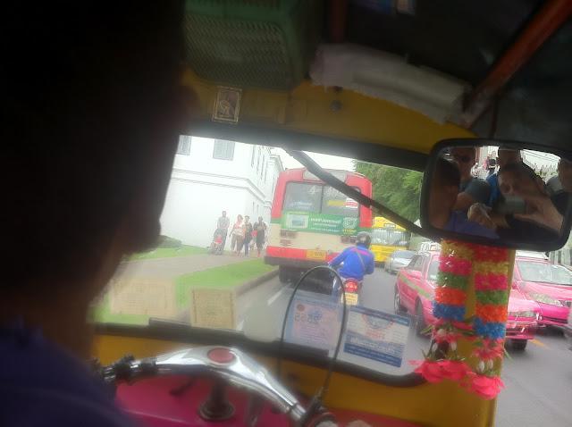 El conductor del tuk-tuk