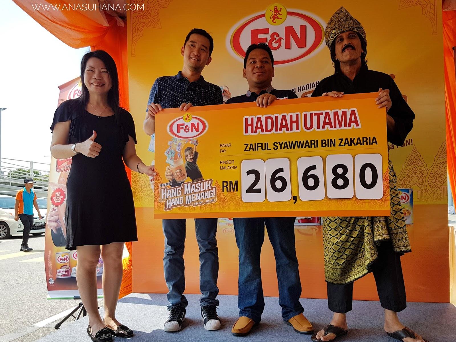 Majlis Penyampaian Hadiah Juara Hang Masuk Hang Menang Anjuran Riang, Ria, Menang Bersama Hang Tarik F&N