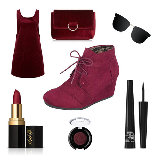 Outfit burdeos con botines de cuña para el invierno