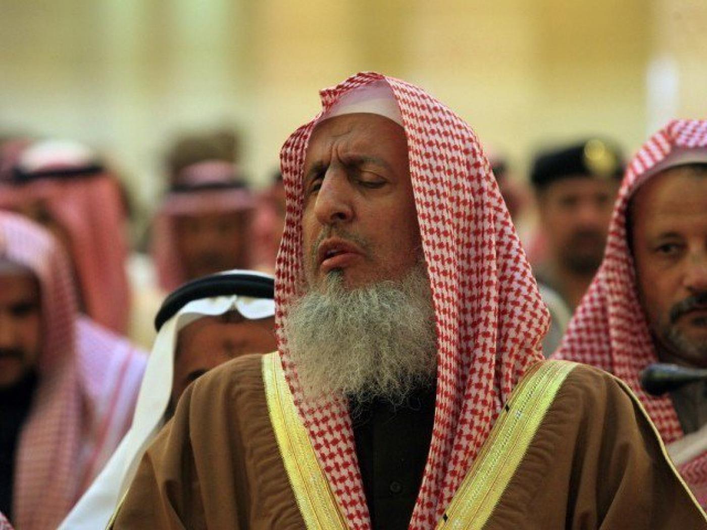 Shalat Tarawih di Rumah Atau Masjid? Ini Penjelasan Mufti Agung Arab Saudi