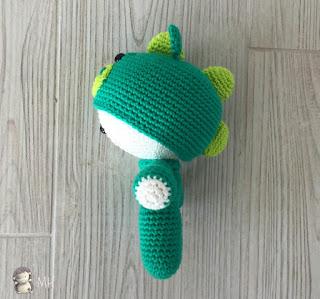 Yoyo dragón amigurumi perfil
