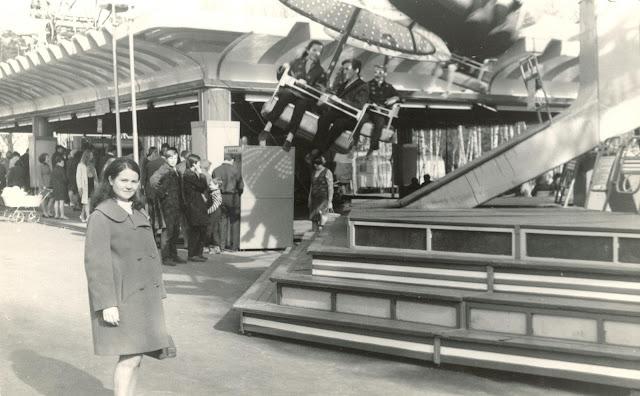 1967 год. Рига. Межапарк. Возле аттракционов