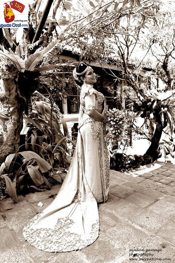 Sriyantha Mendis And Kusum Renu 30th Wedding Anniversary Photo Shoot 5