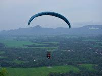 Tandem Paralayang Trenggalek Di Gunung Gemblung