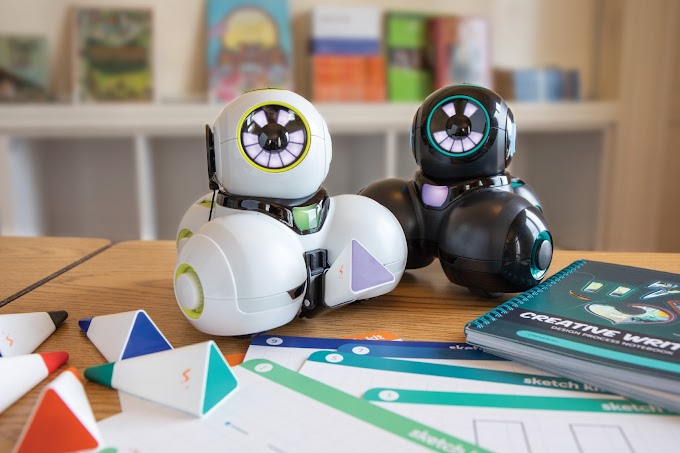 Cue: A Cute Robot, A Friend To Learn Coding Skills With