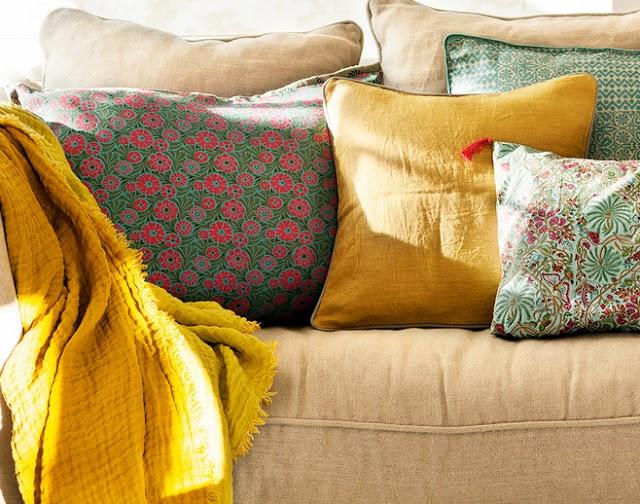 10 Διακοσμητικά Μαξιλάρια για να αλλάξετε εύκολα και οικονομικά το καθιστικό σας