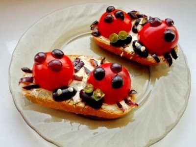 http://eda.parafraz.space/buterbrodyi-bozhya-korovka-s-pomidorami-i-syirom/