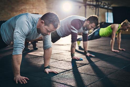 Chăm tập thể thao sẽ hỗ trợ quá trình trị bệnh xuất tinh sớm và tăng cường sinh lực ở nam giới
