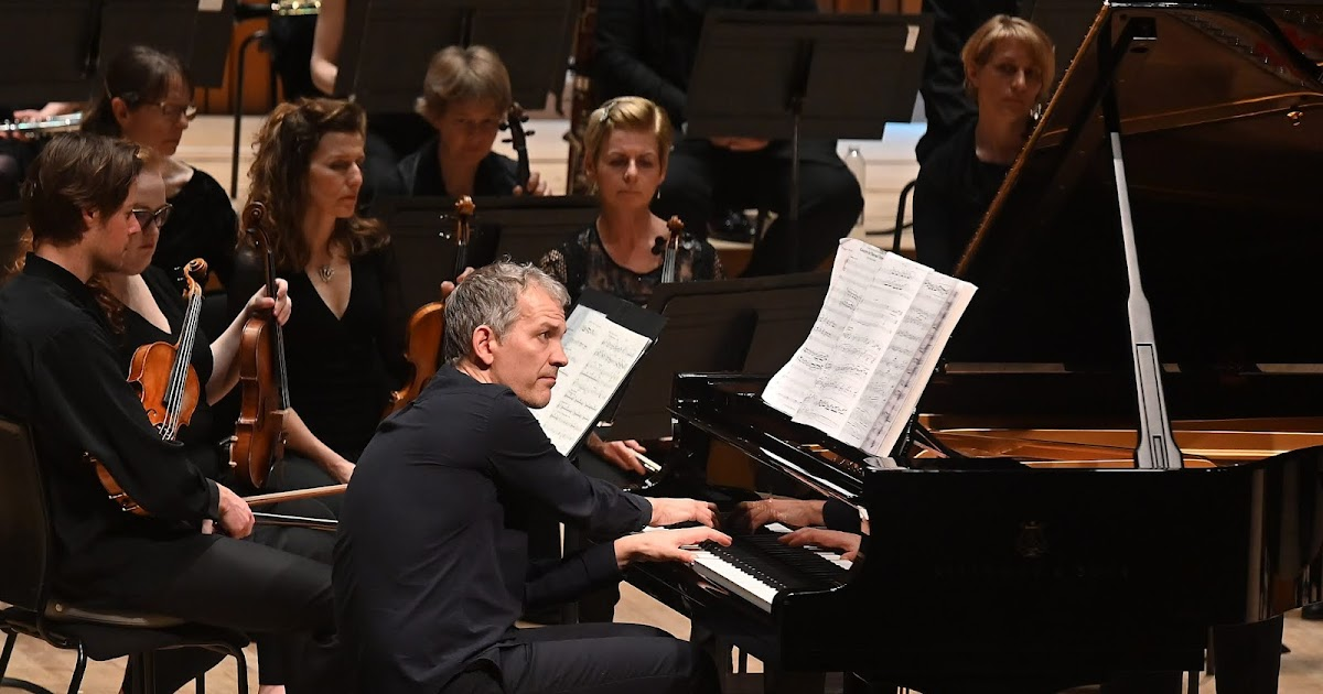 REVIEW: Brad Mehldau and the Britten Sinfonia at the Barbican