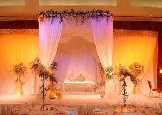 كوشة أعراس متدرجة الألوان جميلة الستاثر