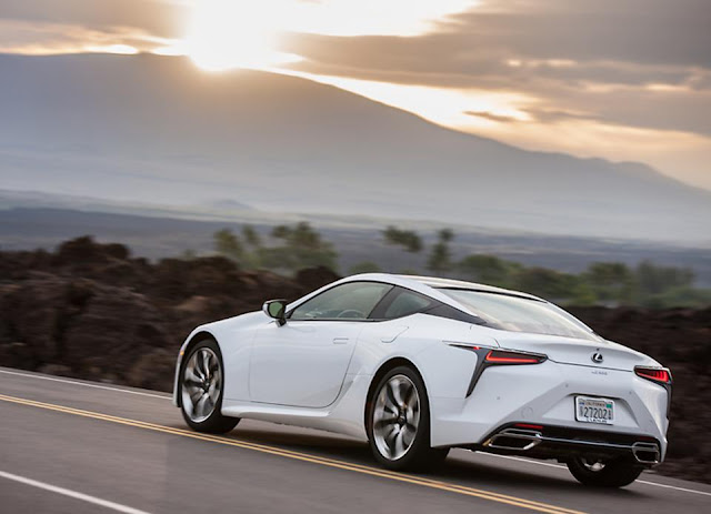 Rear 3/4 view of 2018 Lexus LC 500h