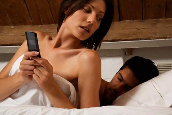 como seducir a una mujer casada para llevarla ala cama