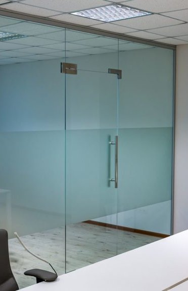 How to choose and install a glass partition?